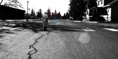 anziano strada